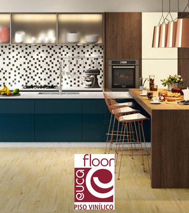 Sala com piso vinilico Eucafloor